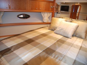 custom-boat-bedding